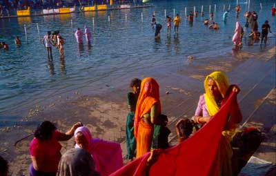 bathing at Kumbha